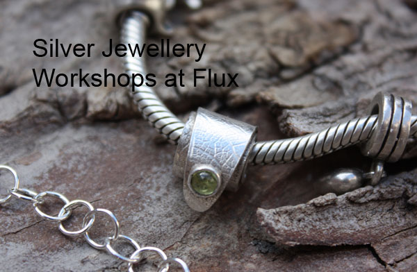 Learn How to Set Stones at Flux Studios