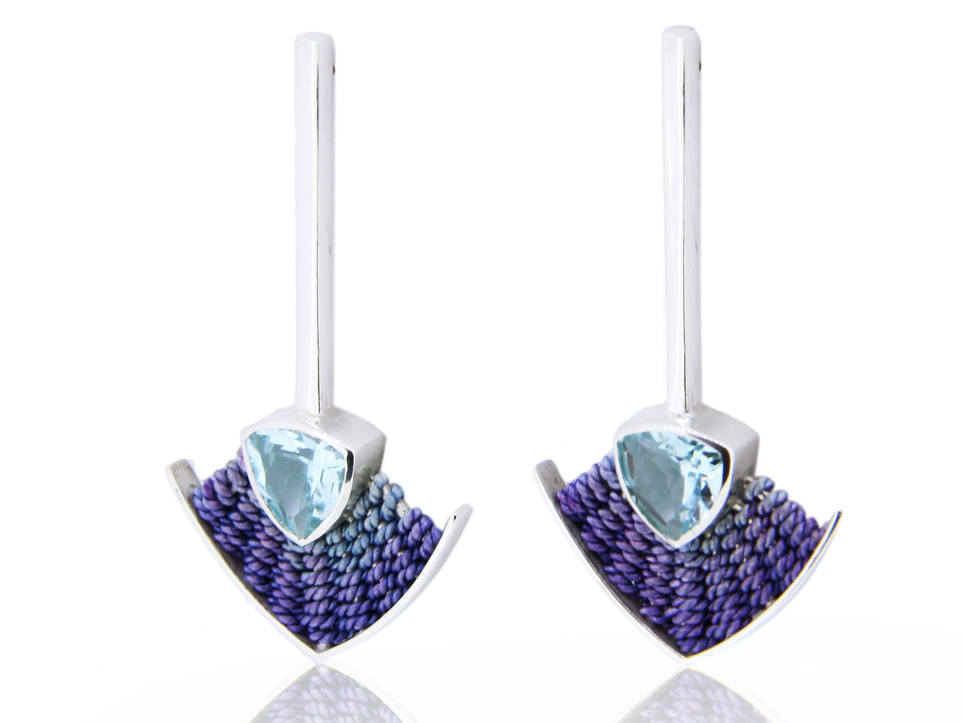 Aquamarine and silk earrings by Julia Toledo