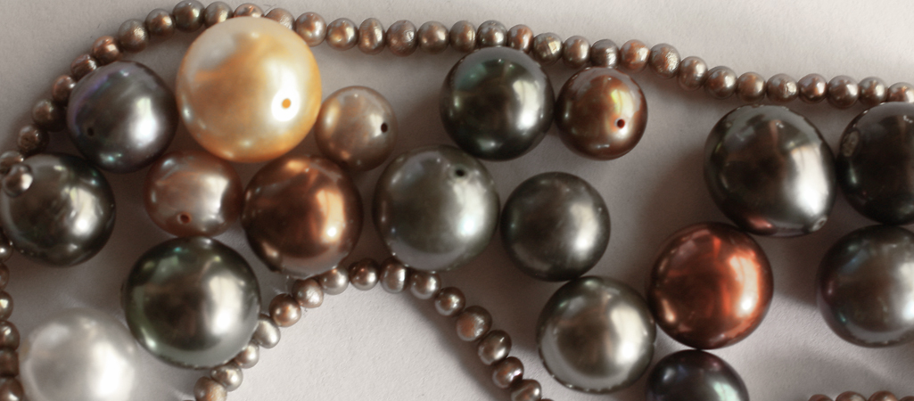 Baroque Pearls, Keshi Pearls, Round/Oval Pearls, Dyed Pearls.