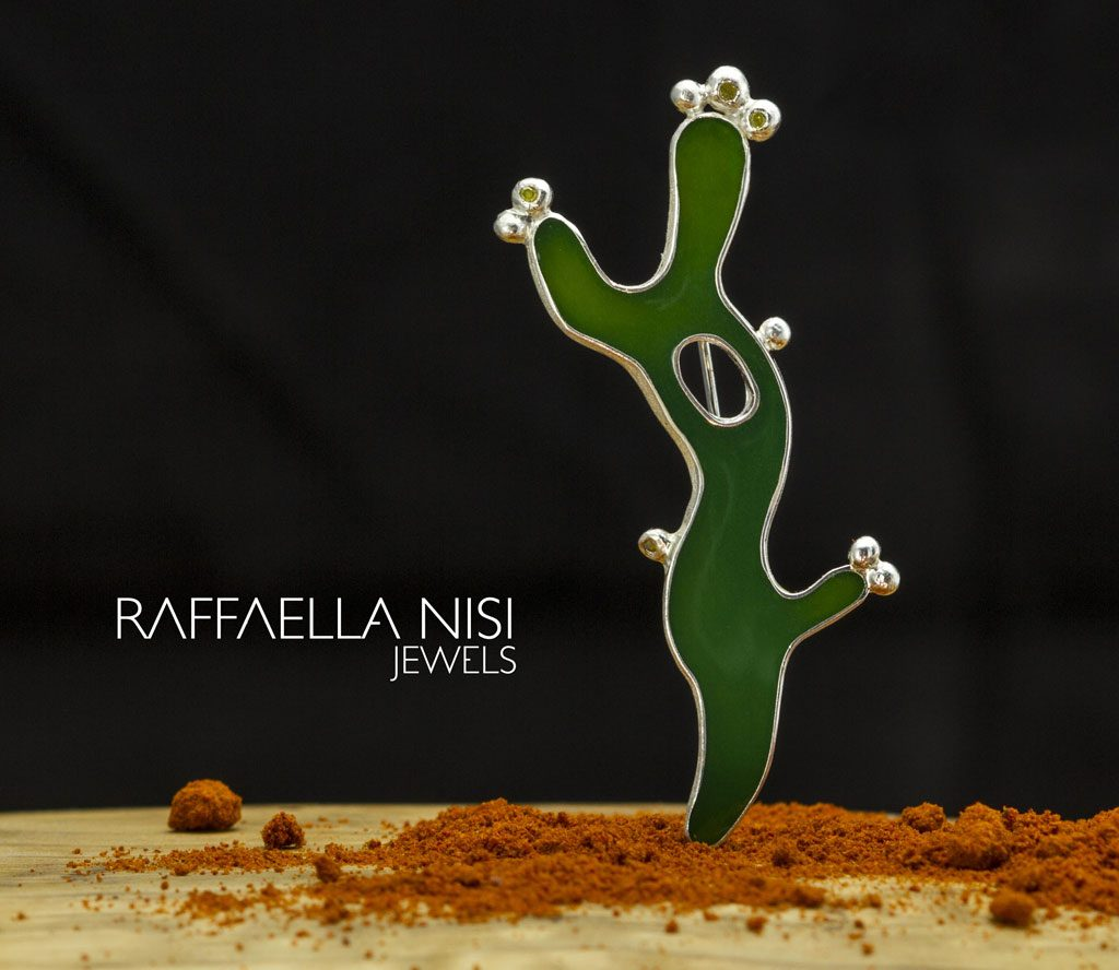 Raffaella Nisi - silver brooch with resin
