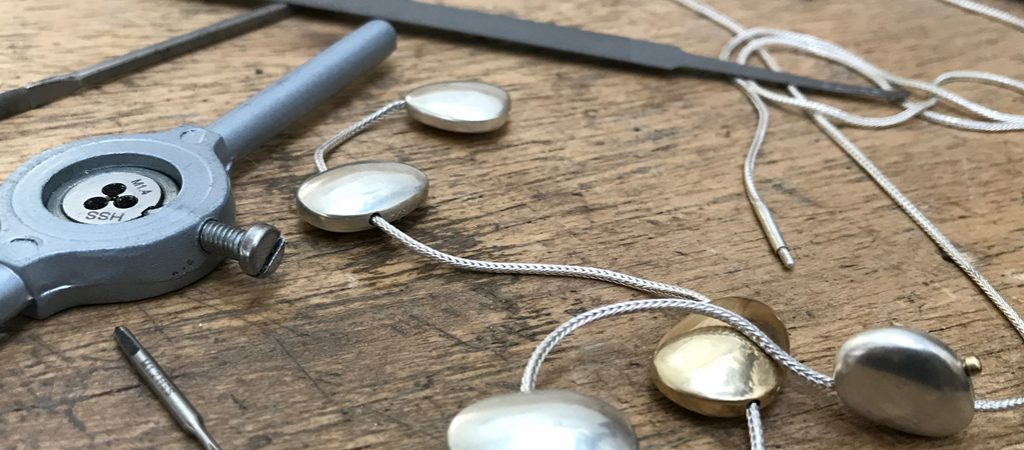 Make an integrated clasp for a Necklace - Box clasps to Toggles and Bayonet  (B32)